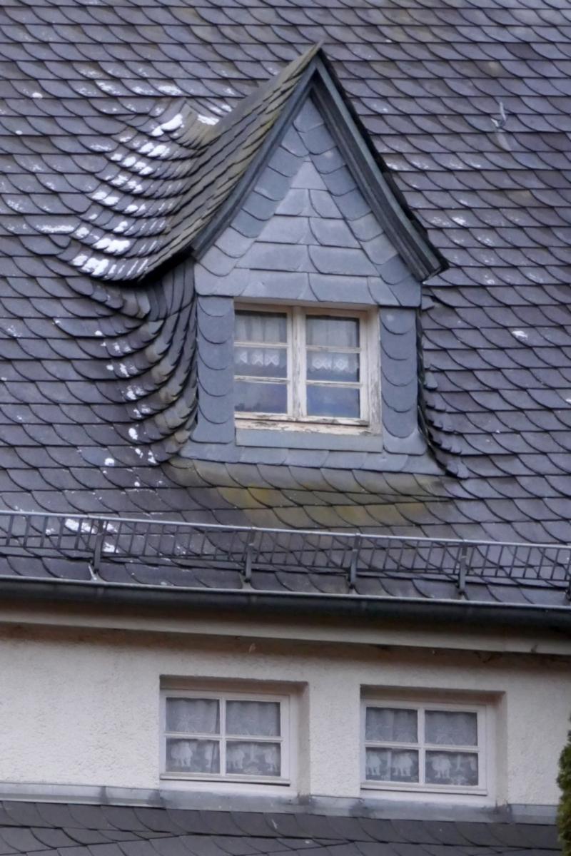 schnee-dach